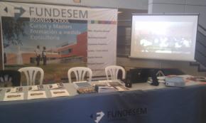 Stand de Fundesem en la Universidad Miguel Hernández (Elche)