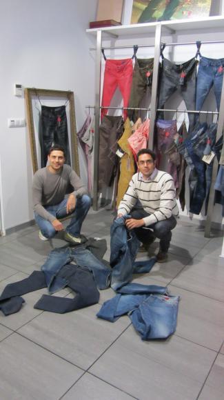 Fernando Cardona, director de Brain Box (I+D de desarrollo) y Roberto Muñoz, director técnico de Jeanología, alumnos de la 38ª Ed. del DAGE