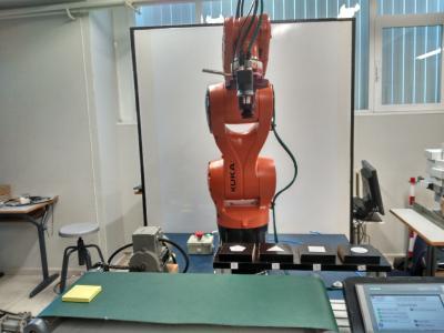 Florida Universitària desarrolla un robot con visión artificial