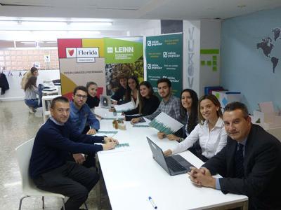 Caixa Popular beca a siete emprendedores del Grado LEINN