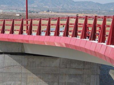 Cornisas para puentes